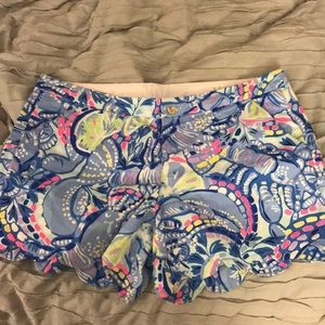 Lilly Pulitzer Buttercup shorts in Pinch Pinch